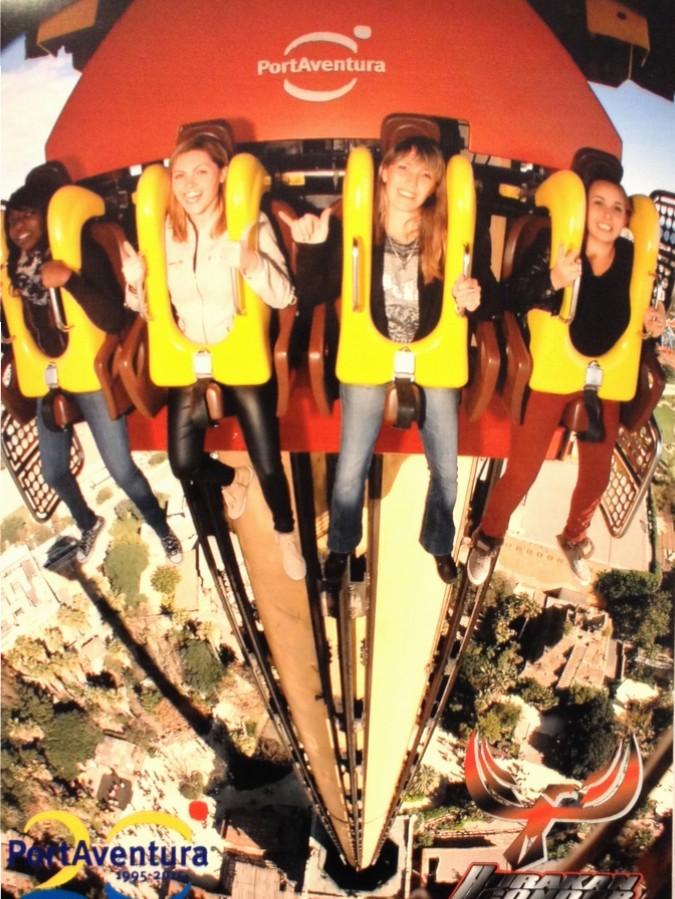 Nath et ses copines dans l'Hurakan Condor à Port Aventura - Salou, Espagne