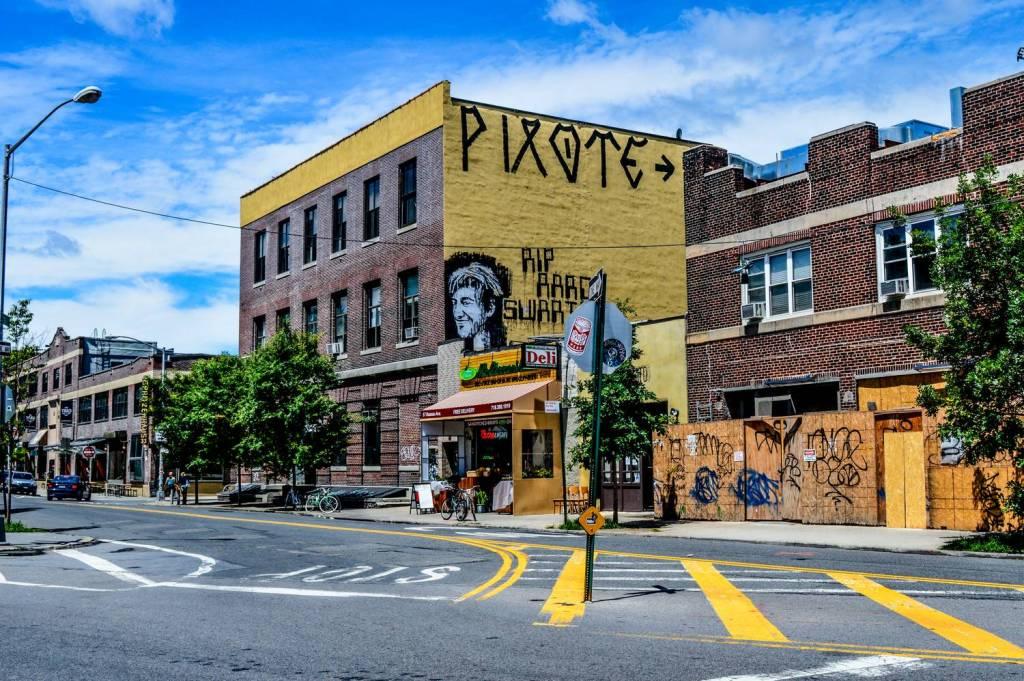 Street art dans Greenpoint - New York, Etats-Unis