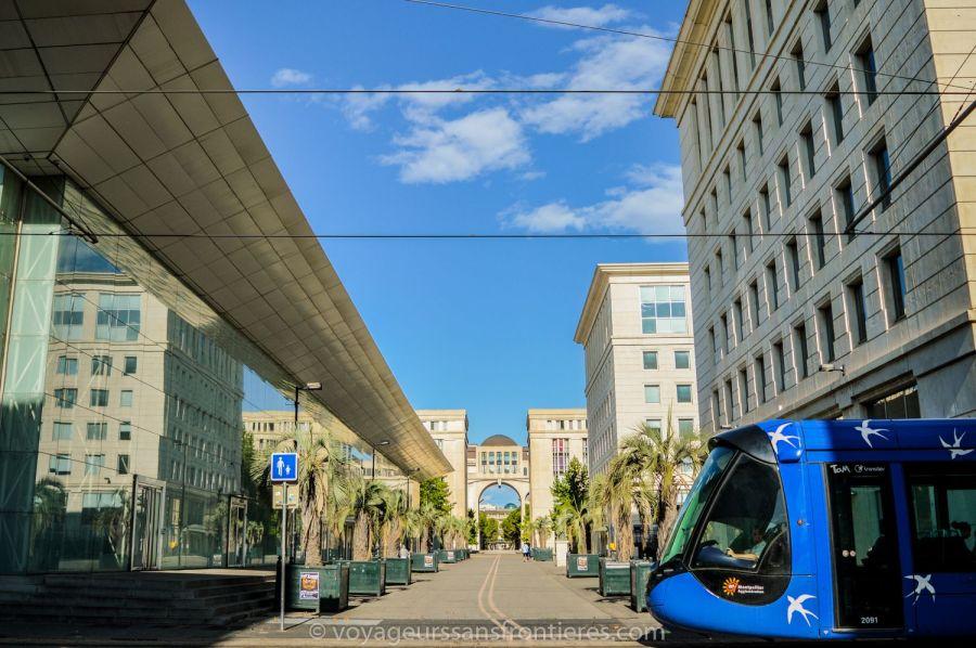 Le tramway dans le quartier Antigone - Montpellier, France