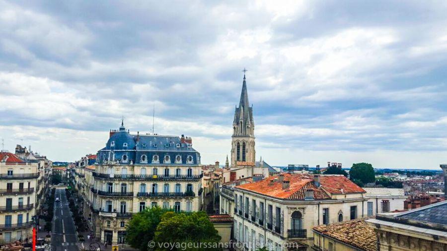 Belle vue panoramique depuis le haut de l'Arc de Triomphe - Montpellier, France