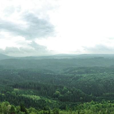 Panorama sur la Pravcicka brana dans le Parc National de la Suisse Tchèque - Bohème du Nord, République Tchèque
