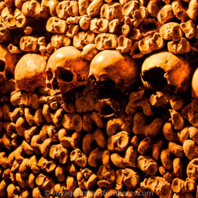 Crânes et ossements - Catacombes de Paris, France