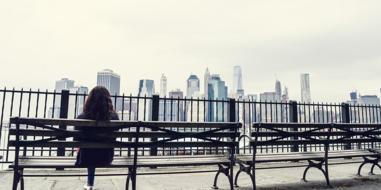 Vue sur Manhattan depuis Brooklyn à New York - Voyageurs Sans Frontières