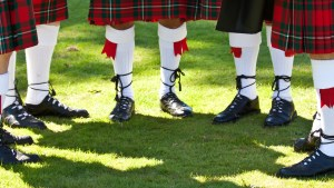 Highland games - Voyageurs Sans Frontieres travel blog