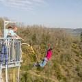Nath pendant son saut à l'élastique avec Antipodes sports nature - Aveyron, France