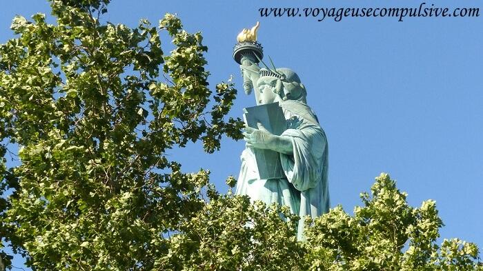 Vue de profil de la statue de la liberté