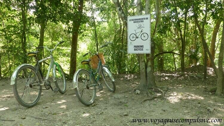Nos vélos qui nous ont accompagné dans notre visite du parc archéologique de Cobá.