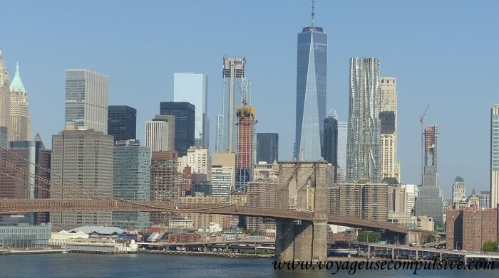Vue sur la skyline de Manhattan et le pont de Brooklyn depuis le Manhattan Bridge
