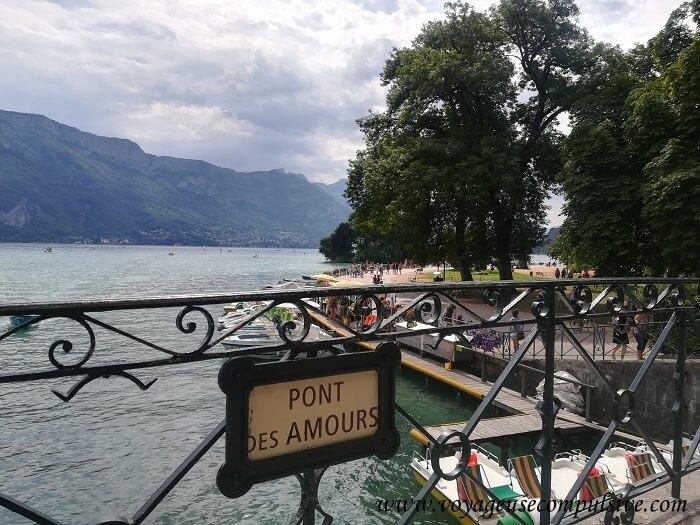 Pancarte du pont des Amours à Annecy