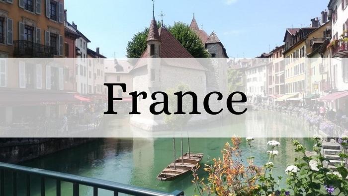 Voyager en Europe : vue sur le palais de l'Isle, dans la vieille ville d'Annecy