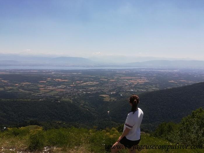 Vue sur le Mont-Blanc et Genève depuis le sommet du Petit Montrond.