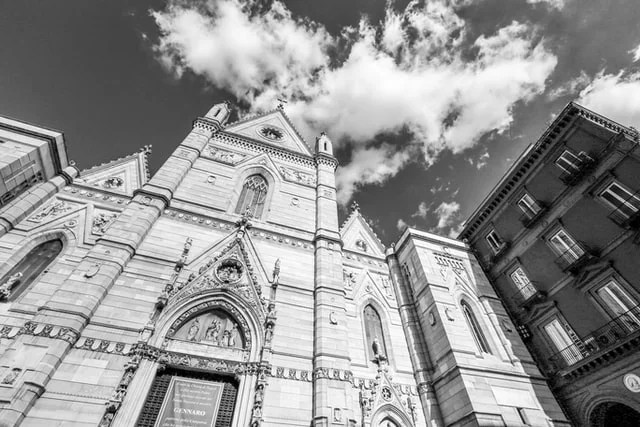 εκκλησίες στην Νάπολη
