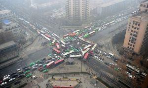 Así tendrían que controlar el tráfico.