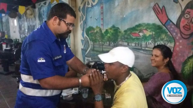Operação Lei Seca do Detran realiza campanha educativa em bares de Carpina