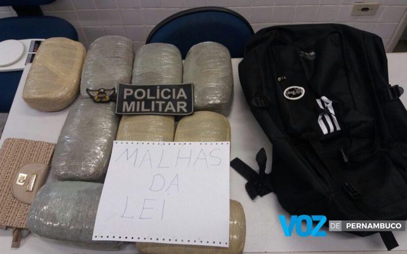 Mulher é detida com drogas em Paudalho