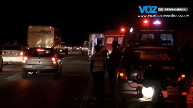 Acidente na BR-408 deixa feridos em Paudalho