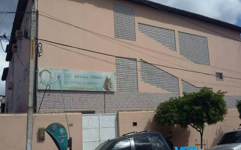 Escola sofre arrombamento em Carpina