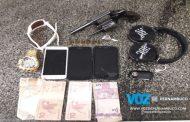 Homem é detido com arma no Recife