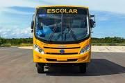 Alunos e professores iniciam ano letivo com transporte escolar em Tracunhaém