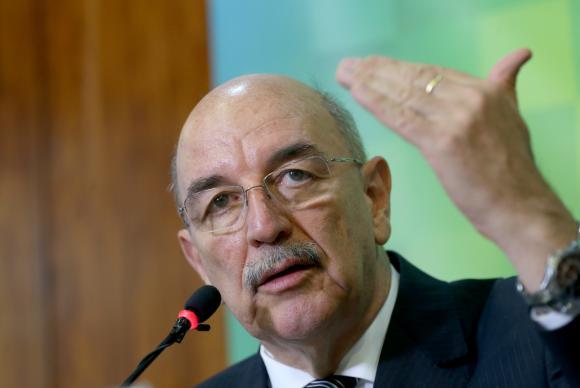 Reajuste do Bolsa Família será divulgado ainda em março, diz ministro