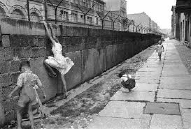 Así se construyó el Muro de Berlín