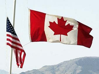 canadian_american_flags_0321.jpg