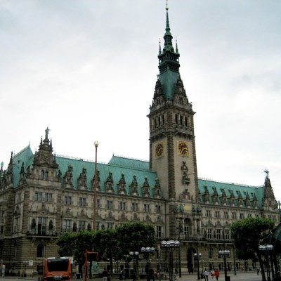 Rathaus in Hamburg, Germany - VRAI Magazine