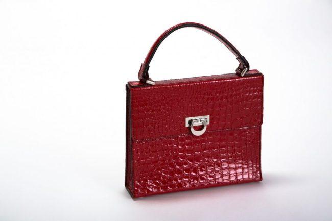 beau-satchelle-bespoke-satchel-in-red
