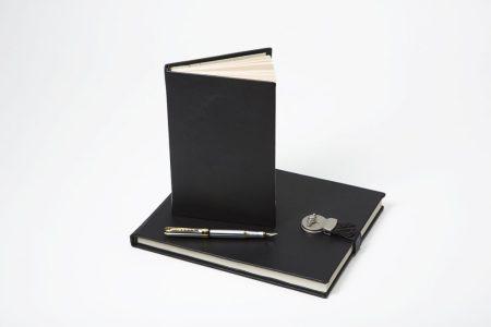 beau-satchelle-bespoke-wine-tasting-journals-small-and-medium