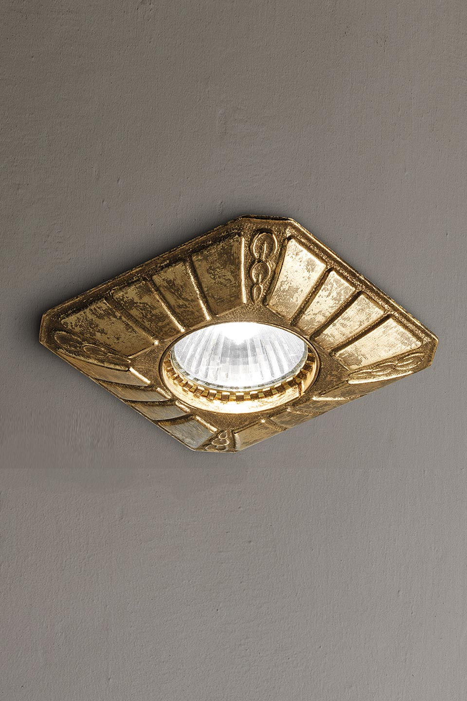 classic spotlight square base engraved in antique brass
