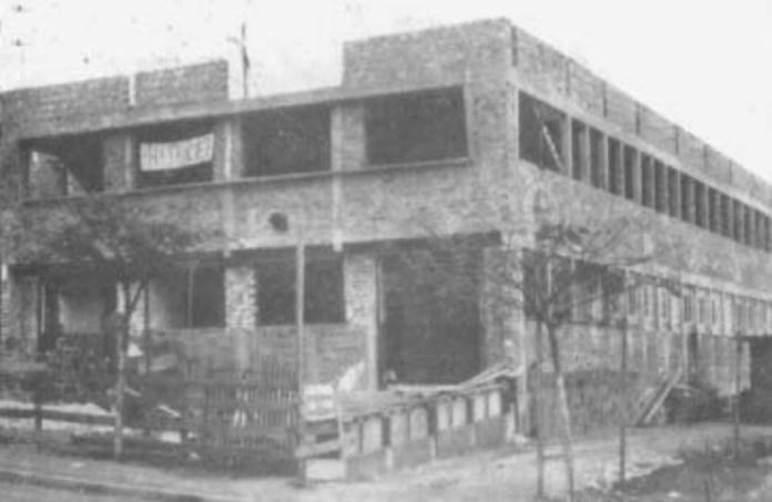 Escolas antigas da cidade do aço