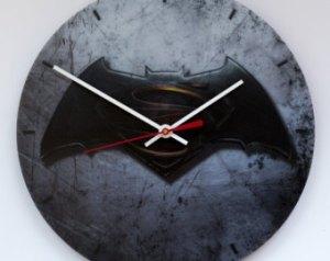 Batman wall clock showing time duration in Batman Arkham VR For the Oculus Rift