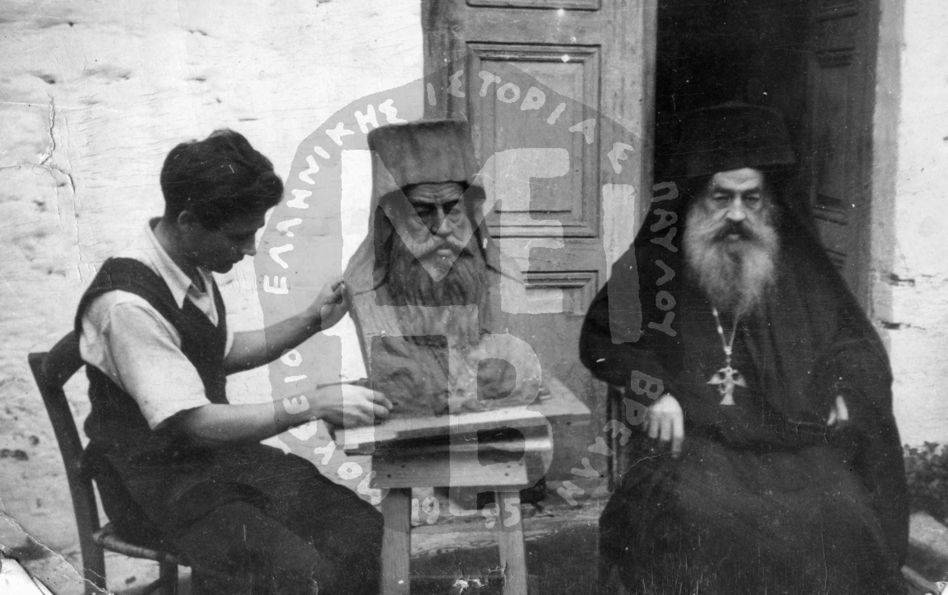 Προτομή Αρχιεπίσκοπου Σπυρίδωνα Βλάχου