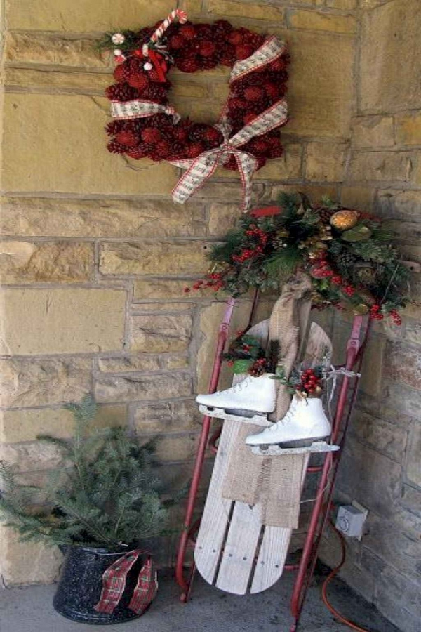 79 Beautiful Farmhouse Front Porches Decorating Ideas-3971