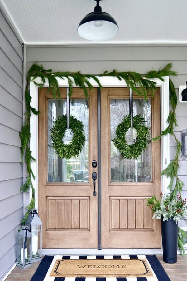 79 Beautiful Farmhouse Front Porches Decorating Ideas-3978
