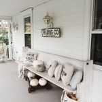79 Beautiful Farmhouse Front Porches Decorating Ideas-3994