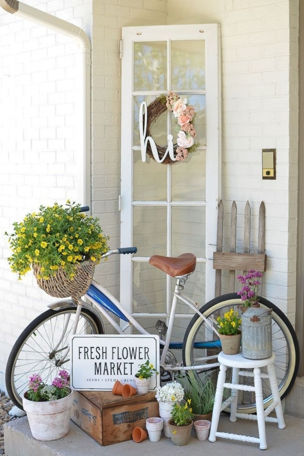 79 Beautiful Farmhouse Front Porches Decorating Ideas-4016
