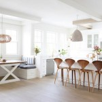 Tips For Creating Beautiful Black Or White Retro Themed Kitchens 22
