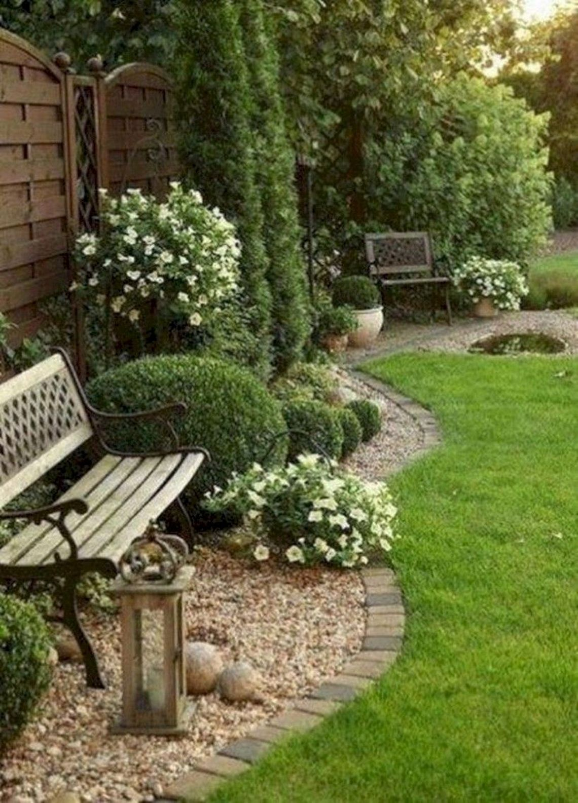 91 Small Backyard Landscape Decoration Models Are Simple And Look Creative 79