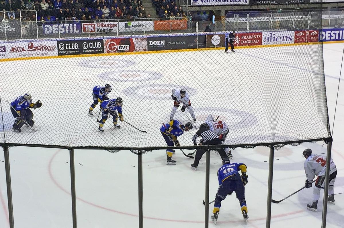 ijshockey wedstrijd van de tilburg trappers