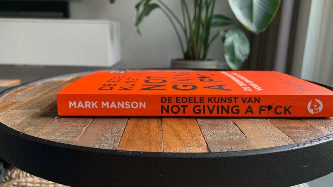 Boekreview: De edele kunst van not giving a f*ck