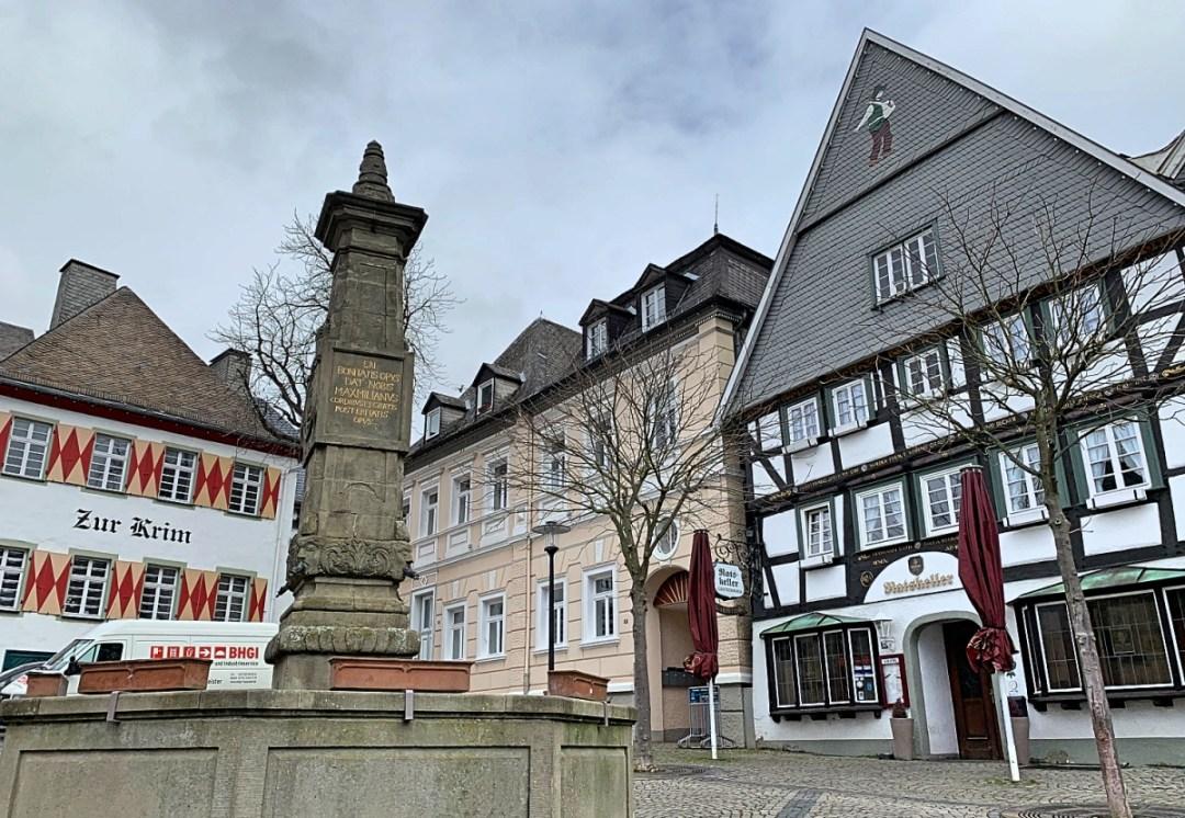 Pleintje in de Altstadt van Arnsberg in Duitsland (Sauerland)