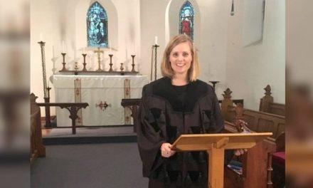 Almatine Leene beroepen als eerste vrouwelijke predikante in GKV