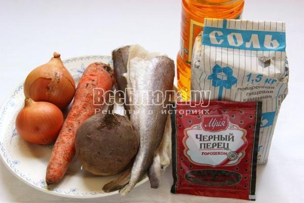 Хек, тушеный с овощами (свекла, лук, морковка), пошаговый ...
