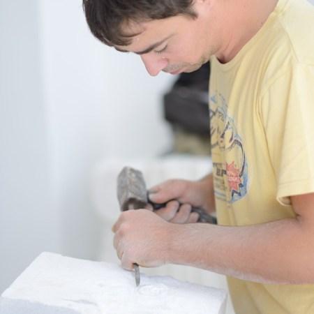 Tina Kocjan - Carving the first piece