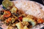 Подавать с белым паровым рисом