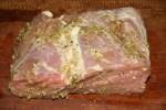Замаринованный кусок свинины