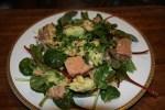Салат из копченой форели с авокадо