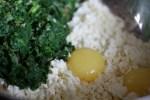 Адыгейский сыр, шпинат, яйца