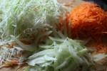 Нашинкованные овощи для салата